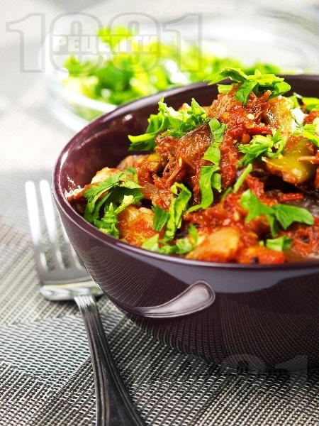 Телешки гювеч с гъби печурки, чушки и бял ориз на фурна - снимка на рецептата